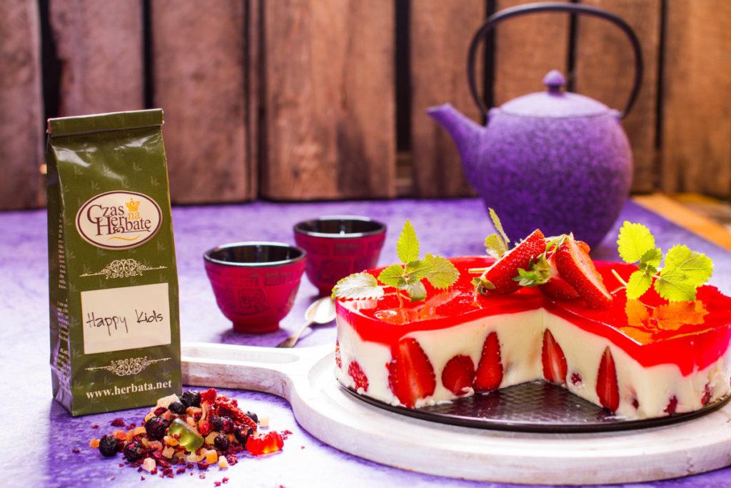 Letni sernik z owocami i galaretką z herbaty Happy Kids