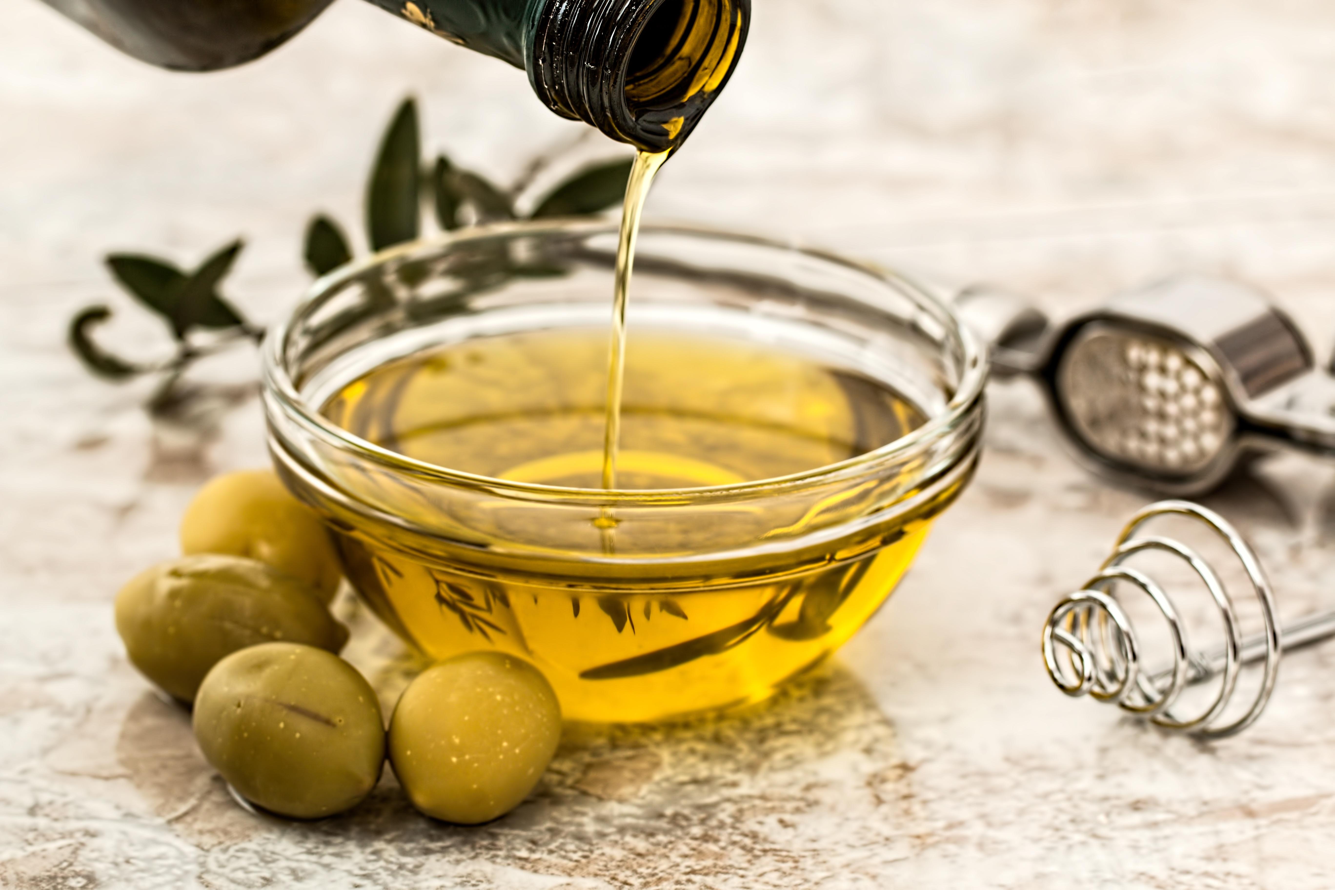 Smak zdrowia – Prozdrowotne właściwości olejów spożywczych – hit czy mit?