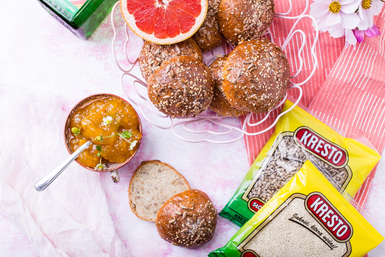 Bułeczki żytnio-pszenne z nasionami