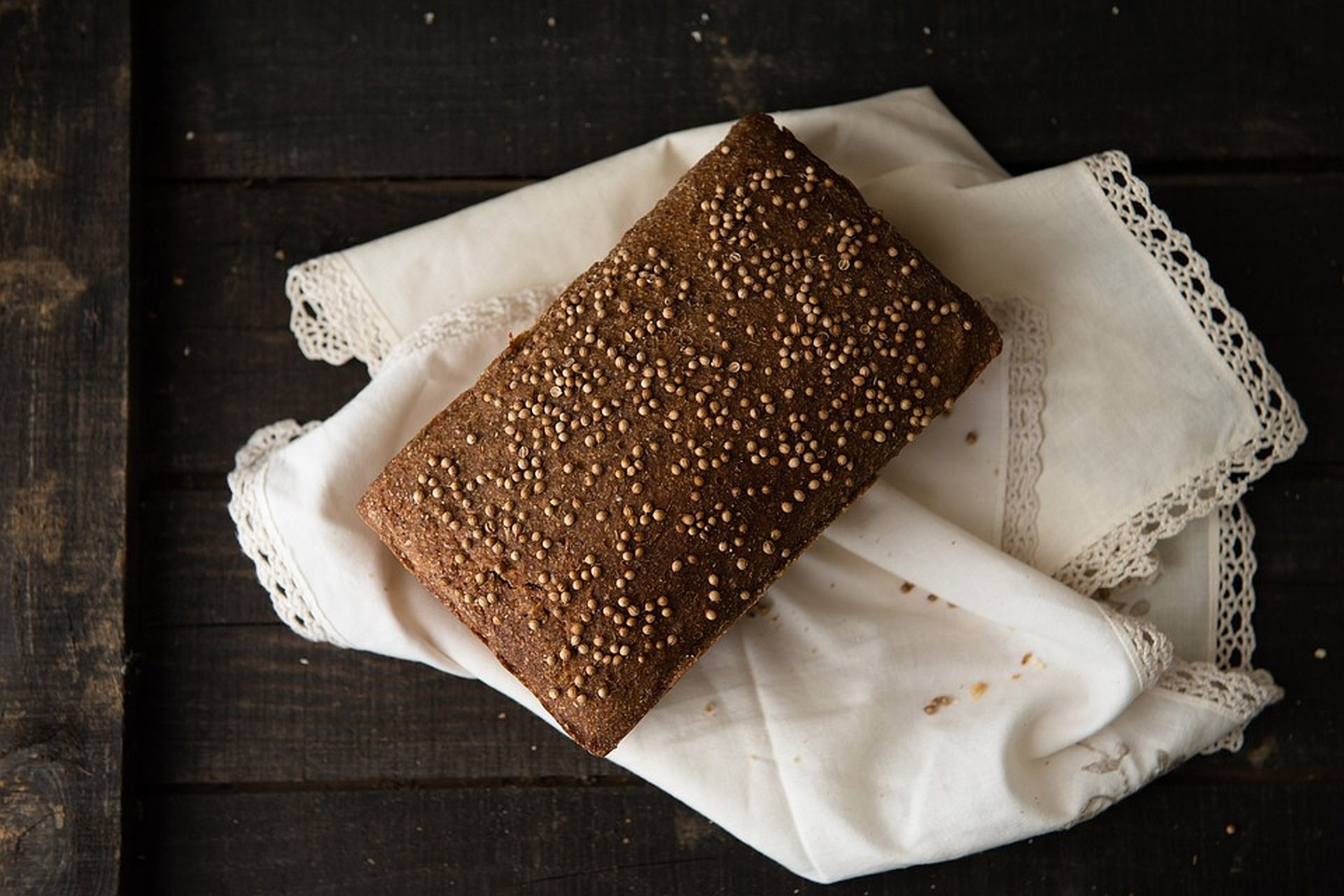 Domowy chleb konopny na zakwasie